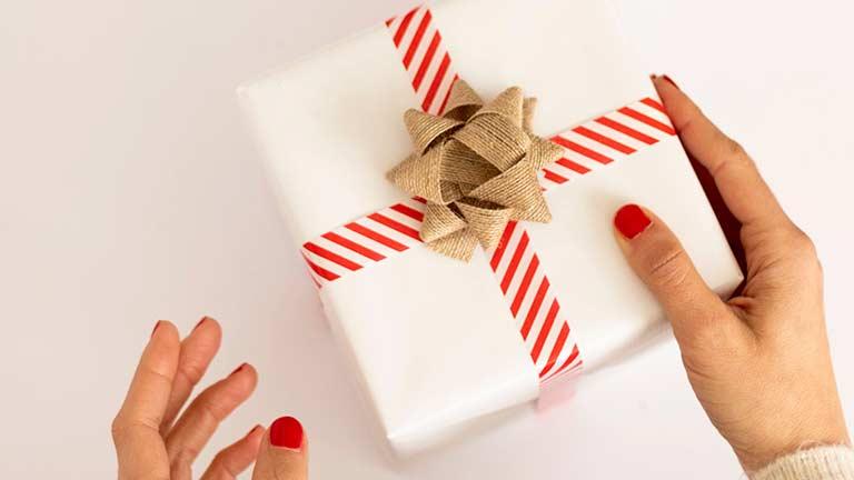 妻から夫にプレゼントを贈るタイミング